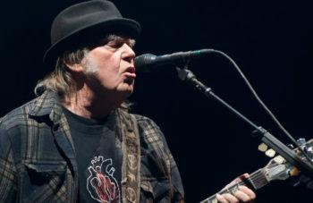 Neil Young Says U.S. Dual Citizenship…