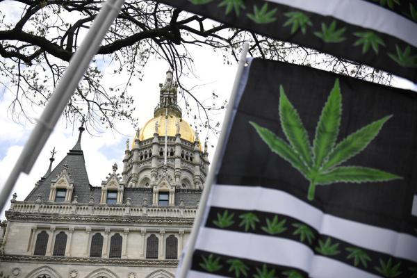 Connecticut legalizes marijuana,…