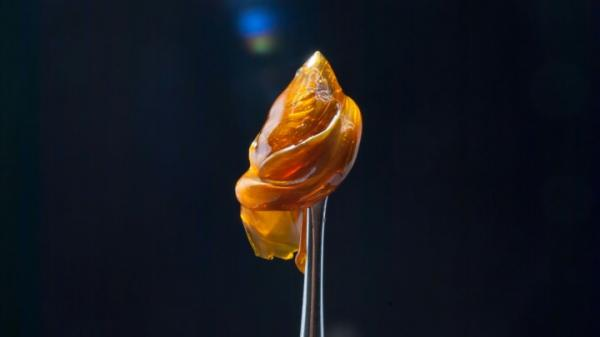 photo of Concentrates 101: How To Smoke Dabs image